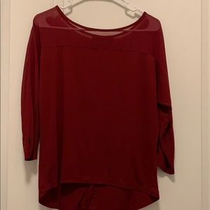 3/4 Maroon Sleeve top with buttons down back